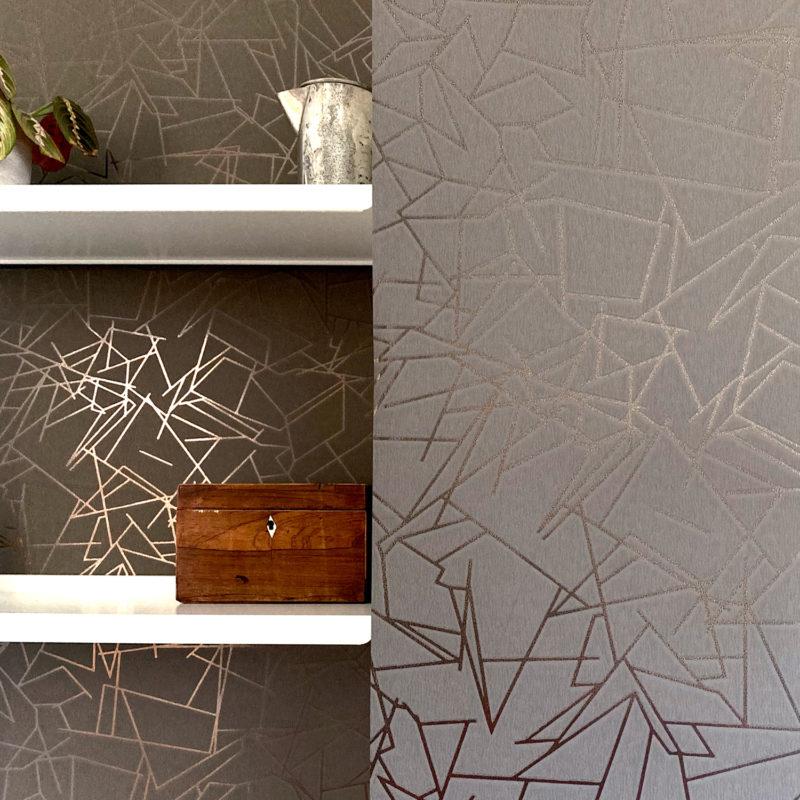 Angles bronze / cocoa brown wallpaper installation