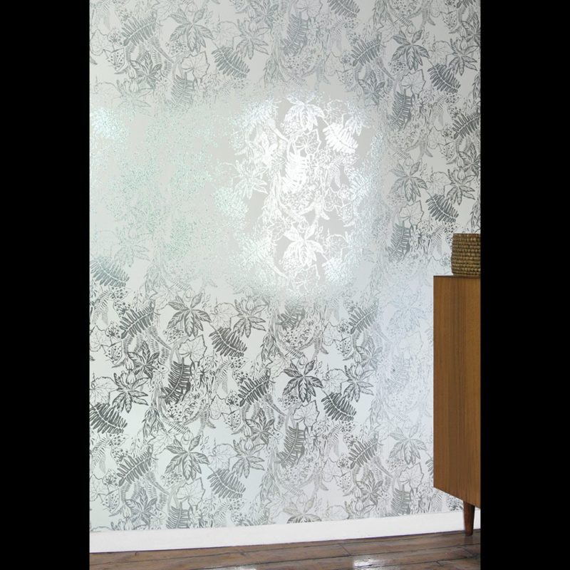 Tropical wallpaper | Hothouse jade silver white