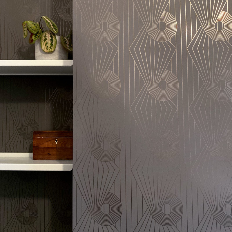 MInispiral bronze / cocoa brown wallpaper installation
